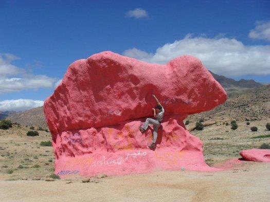 pink-boulder_tafraoute